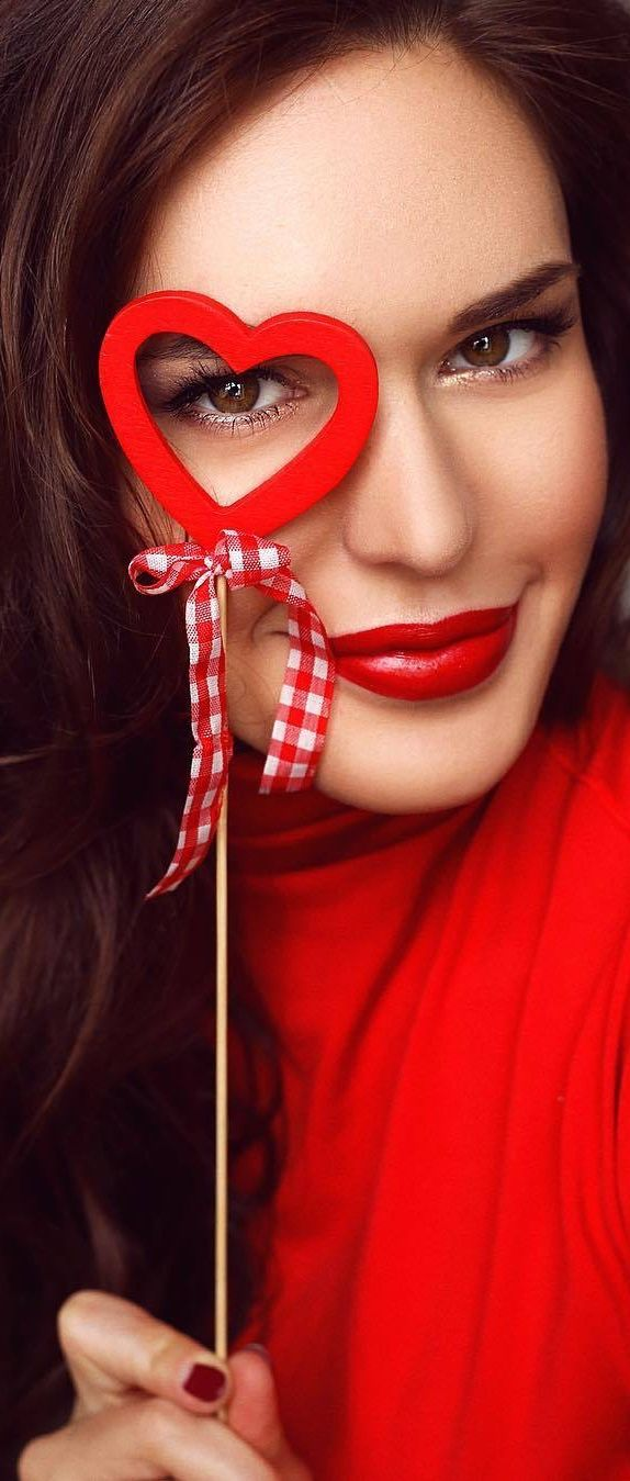 Pin By Hettien On Radiant Red Fire Heart Perfect Red Lips
