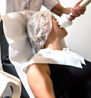 Volumétrie du visage par injection d'acide hyaluronique