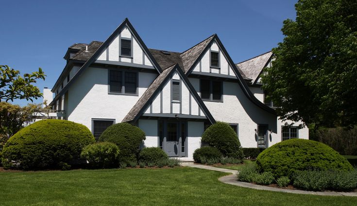 best 25 tudor style ideas on pinterest tudor style homes tudor style house and tudor homes. Black Bedroom Furniture Sets. Home Design Ideas
