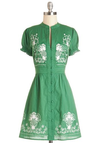 Needlework it Out Dress in Green. Working your craft stand in snazzy style, you sell your handmade creations in this green dress! #gold #prom #modcloth