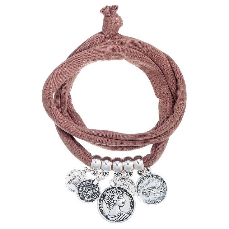 Wikkelarmband met bedels en muntjes bruin | Ibiza Style armbanden | Kadootjesvoorhaar