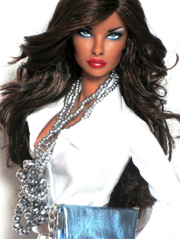 Natalia Fashion Royalty OOAK repaint by Claudia