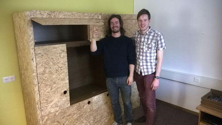 TOIMII ontwierp en bouwde een kast voor project Nest. Zie www.nestprojectnl.wordpress.com