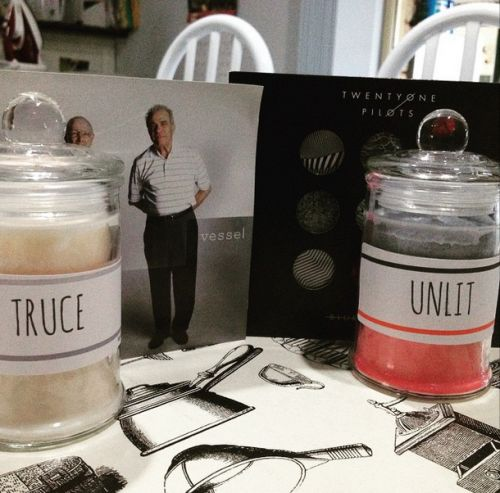 Which candle is your fave? Vessel or Blurryface?Rainwater/rose or Black cherry?
