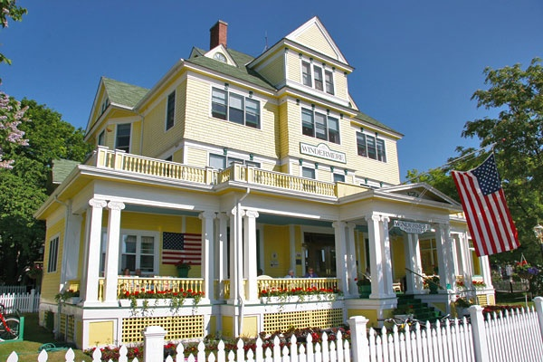 mackinaw island the perfect vacation place for tourists 28 reviews of city of mackinac island 'ello chaps my family and i use to visit mackinac frequently but hadn't visited in - tourists - places that cater to.