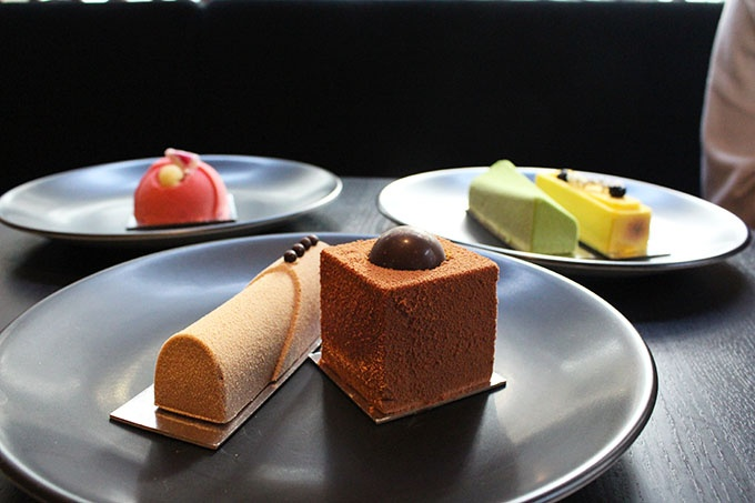 Gateaux: Chocolate, Armagnac & Salted Caramel / Chocolate, Orange & Macadamia