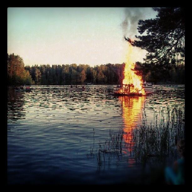 Juhannus Rauhaladen Jätkänkämpällä