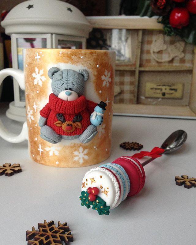 """Набор """"Мишка"""" с ложечкой макаронс в наличии -1100₽. БРОНЬ ❗️❗️❗️#кружкавподарок #кружканазаказ #полимернаяглина #вкусныеложечки #краснодар #сувениры #подарки #ручнаяработа #ручнаяработаназаказ #полимернаяглина #кружкасдекором"""