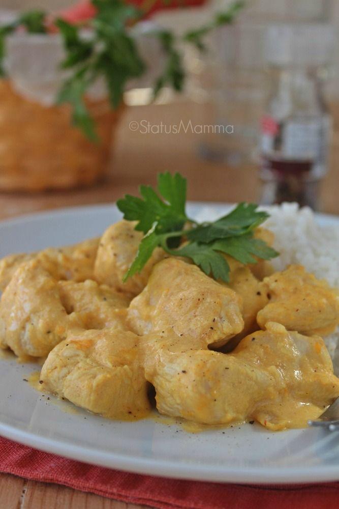 BOCCONCINI DI TACCHINO ricetta semplice e veloce per chi ha poco tempo, avete cenato?? #Statusmamma http://blog.giallozafferano.it/statusmamma/bocconcini-di-tacchino-al-curry-ricetta-semplice-e-veloce/