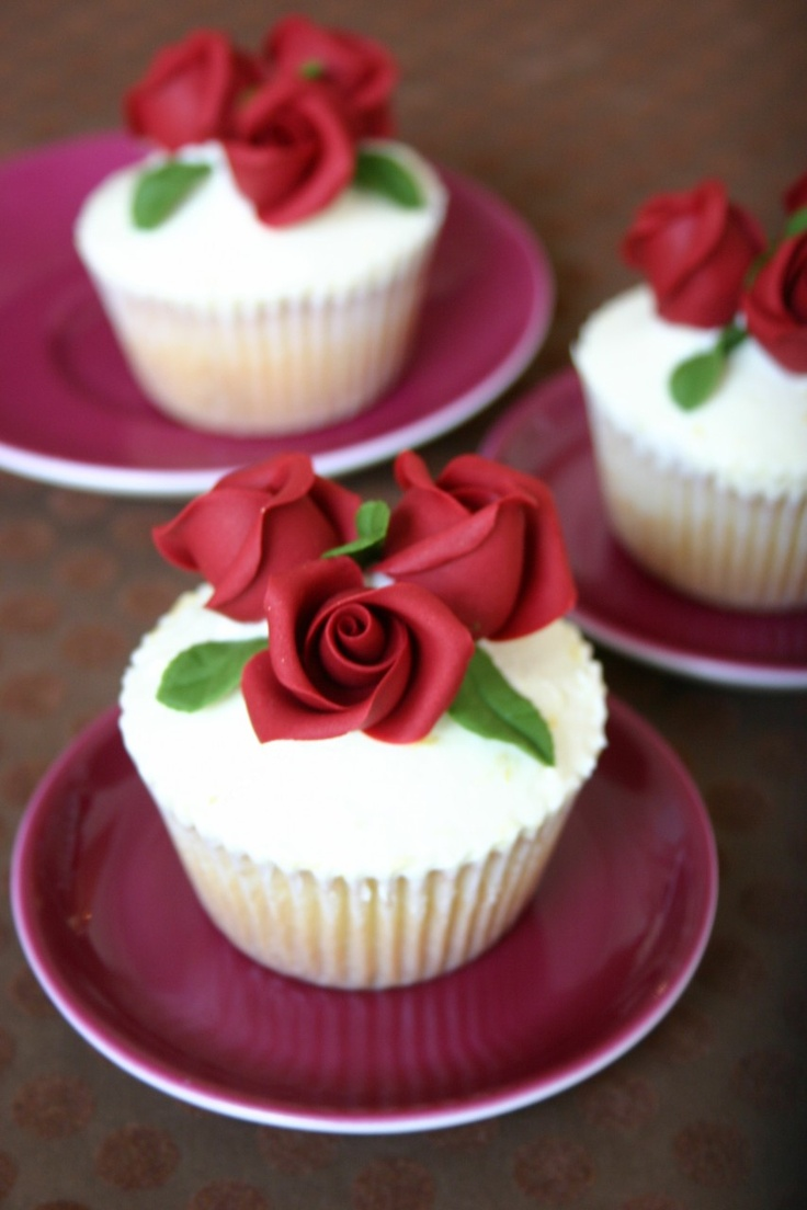 59 Best CAKES Red Roses Images On Pinterest Cake