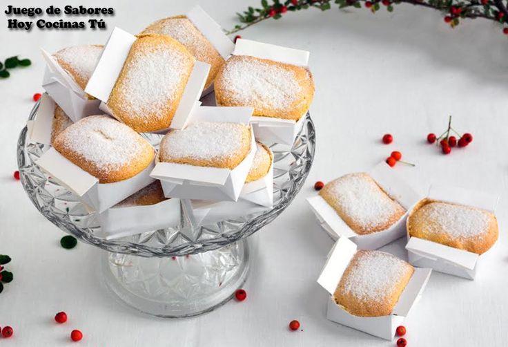 Uno de los dulces tradicionales de Navidad que más gustan a niños y a mayores son las Marquesas, unos bizcochitos elaborados con harina de almendra y espolvoreados con azúcar glas que son irresistibles a la vista y al paladar. Pues bien, si todavía no habéis probado a elaborar estos dulces navideños, esperamos que pronto podáis dejar de decirlo, pues Ana y Blanca, las hermanas que hacen posible el blog Juego de Sabores comparten su receta familiar.Las Marquesas de Navidad son fáciles de…