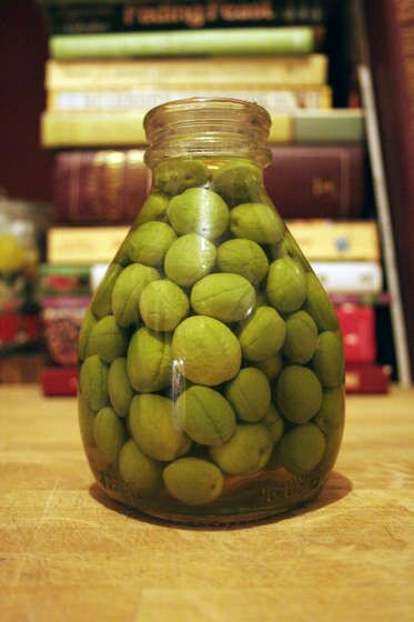 I cannot wait to pick from my olive tree and try this recipe and give to my niece and nephew who love these cured!
