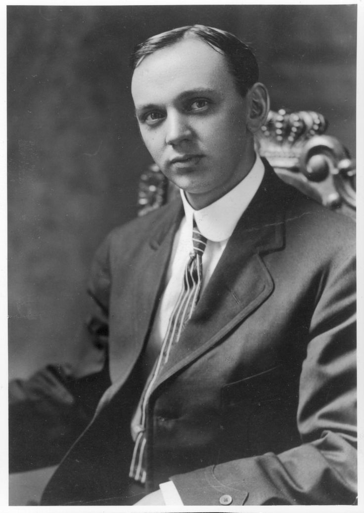 Edgar Cayce mystified a lot of people in his lifetime, both figuratively and literally. Description from wisdompills.com. I searched for this on bing.com/images