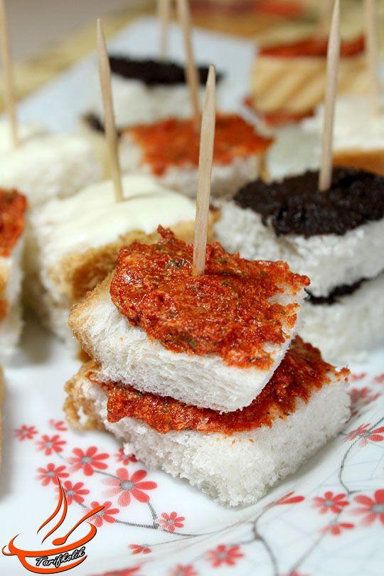 Peynirli Zeytinli Acılı Kanepeler