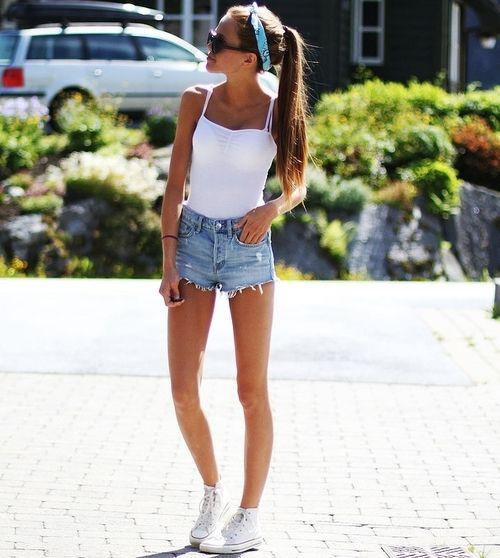 High waisted shorts, Converse, bandana, shades