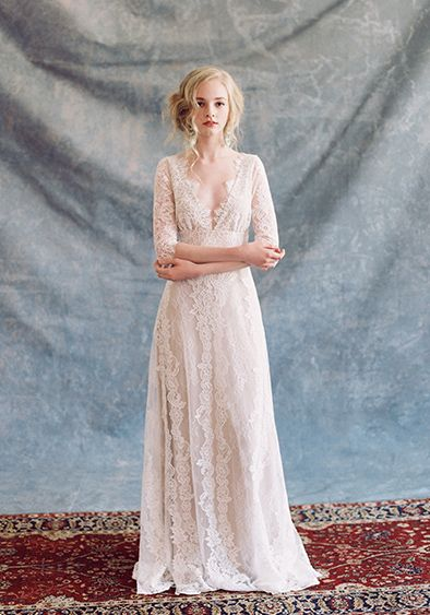 Lindo vestido Claire Pettibone romântica em tom rosado no estilo bohêmio   #Romantique 'Patchouli' wedding dress | Bohemian Rhapsody Collection  #vestidodenoiva #weddingdress #vestidodenovia #clairpettibone #romantico #casamento #wedding #boda #noiva #bride #novia