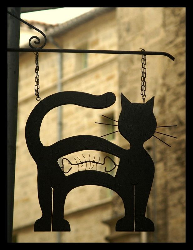 Katziges Ladenschild by Jo Baecker