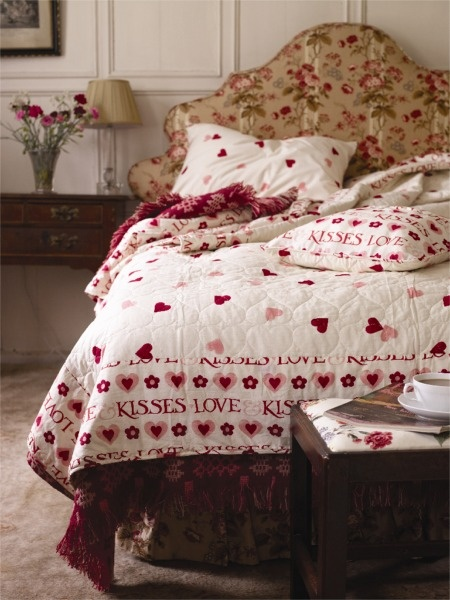 Emma Bridgewater textiles red and white in the bedroom