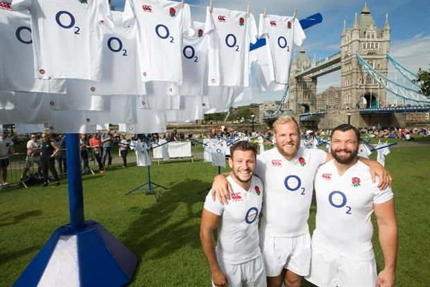 O2 as an example of a successful Bulk T-shirt campaign! Get to know more and learn from real examples! #bulk #tshirt #printing #campaigns