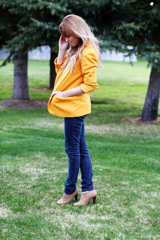 yellow blazer: Www Fashion With 2Dayslook, Colors, Bright Blazers, Hair Colorrrr, Black Blazers