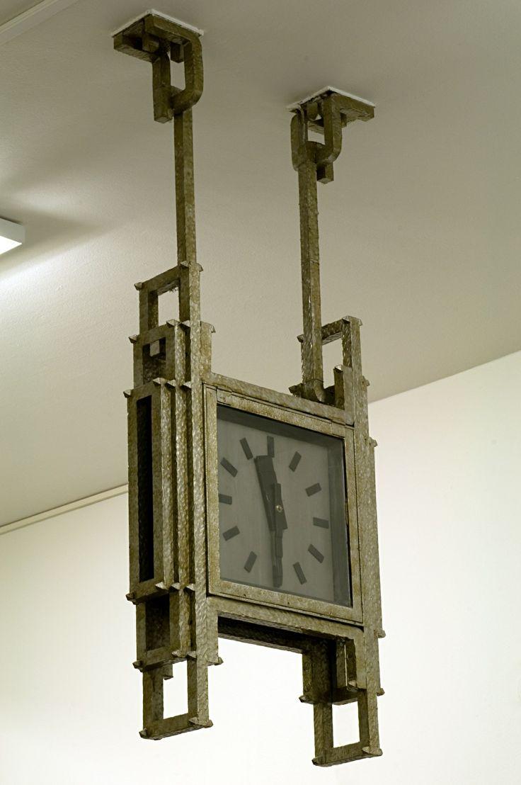 Peter Behrens - Industriepark Höchst, Behrensbau Uhr