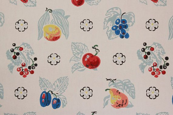 1940's Vintage Wallpaper Fruit on White Apples by RosiesWallpaper
