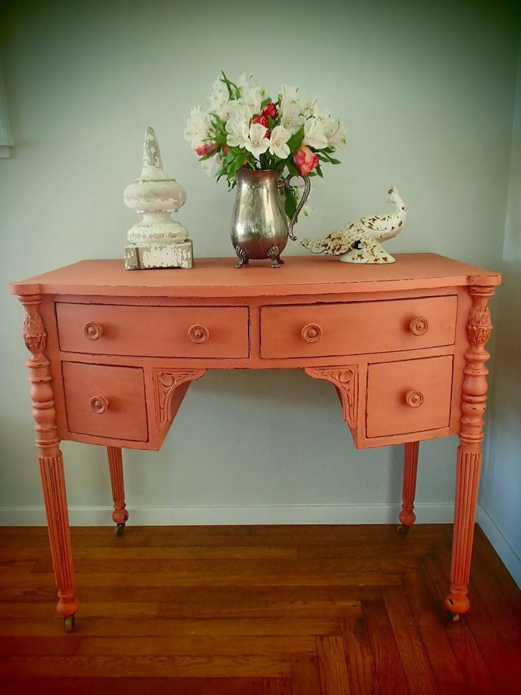 Got to do something coral soon. Charming coral desk