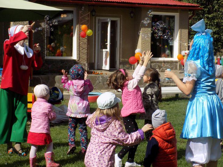 Аниматоры на детский праздник. Наши Буратино и Мальвина очень веселые