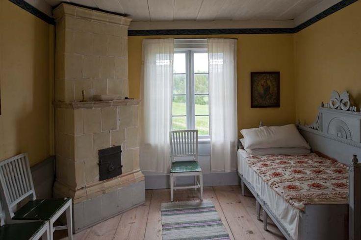 Hälsingegården Ystegårn Hillsta inredning Forsadörrar 1700-tal 1800-tal museum allmoge textilier brukshästar Nordsvensk