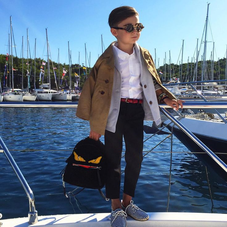 "Luisa Fernanda Espinosa on Instagram: ""Sailing stops ⛵️School starts . Set your style at @oldnavy // #backtoschool #oldnavy #oldnavystyle"""
