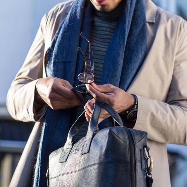Ook voor heren heeft MYOMY prachtige tassen, bijvoorbeeld de PHILIP Business Bag of Weekender. #myomy #men #heren #herentas #herentassen #menbag #mensbag #weekender #philip #businessbag #weekendtas #werktas #businesstas #laptopbag #laptoptas #werktas #mannen