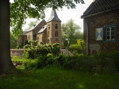 Asselt, beschermd dorpsgezicht aan het water, en dat Midden in Limburg!