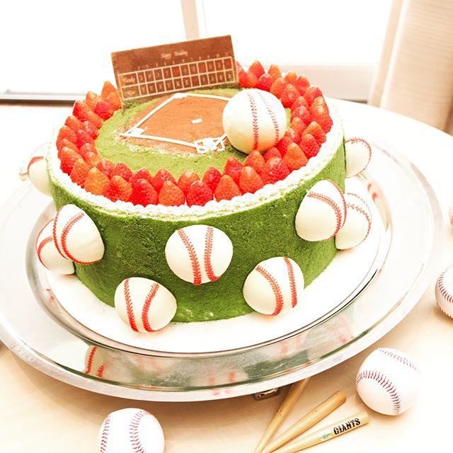 ウェデイングケーキは2人らしく⭐️ゲストも大盛り上がり! #グレイスヒル #グレイスヒルオーシャンテラス #ウェデイングケーキ #ケーキ #cake #野球 #テーマは野球 #2人らしく #ファーストバイト #鹿児島結婚式 #鹿児島花嫁 #鹿児島 #全国のプレ花嫁さんと繋がりたい