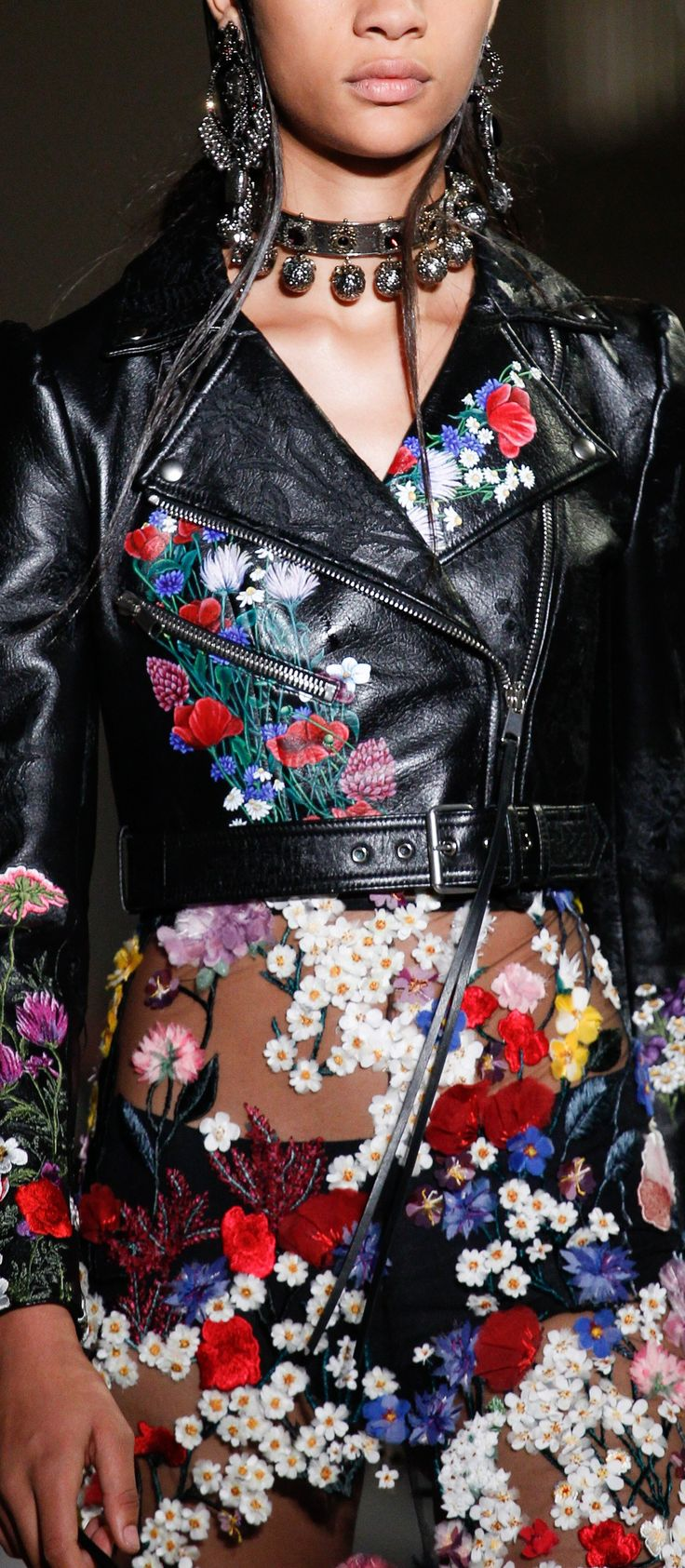 Spring 2017 Ready-to-Wear Alexander McQueen