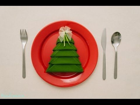 Christmas Tree Napkins -- so easy!