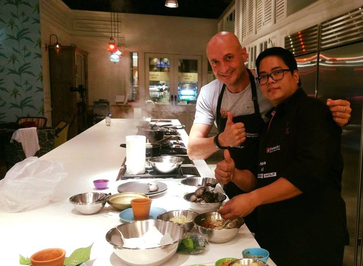 """The B.H.M.S. culinary alumni Mr. Nat Klainin is working as a teacher at the Issaya Cooking Studio. He had the task of teaching two Michelin Chefs - Chef Gert De Mangeleer and Chef David Martin - as part of their TAT France (Thailand chef tour) and the CEO of """"Gault et Millau"""", the influential French restaurant guide. #bhms #bhmslucerne #studyabroad #bhmsalumni #bhmsluzern"""