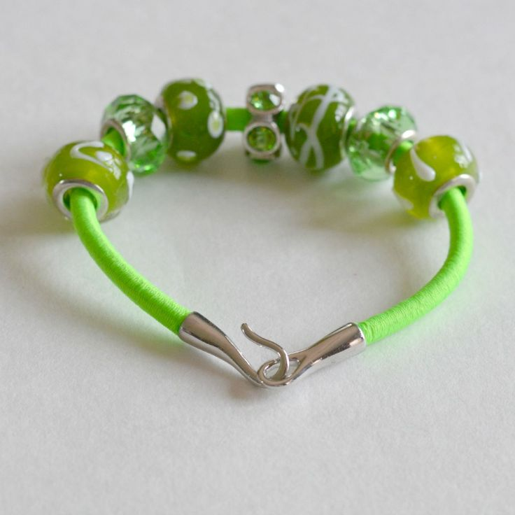 Neon Bracelets: How to Make Colorful Bungee Accessories