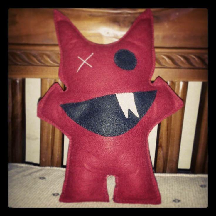 The Red Little Monster - Boneka ini bisa untuk mainan anak-anak, dekorasi ruangan, hiasan tambahan di pohon natal, atau sekedar pemanis interior mobil - Harga Rp 30.000