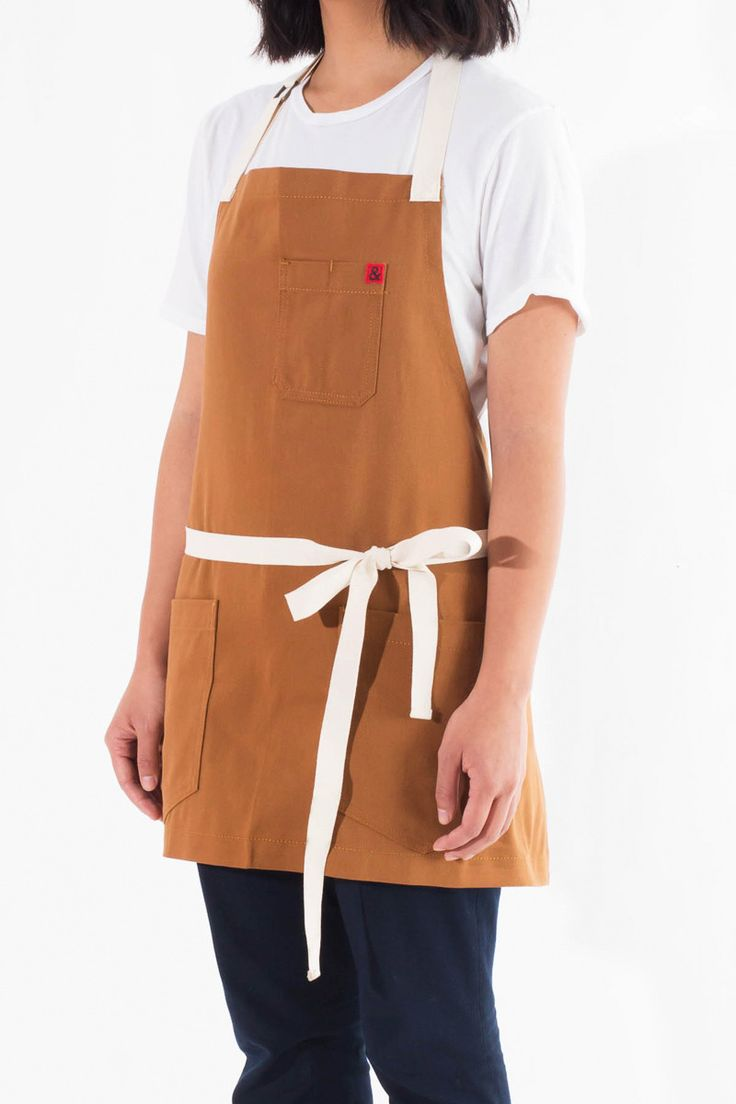 This apron is a perfect fit for any outdoor grilling or working among the wood chips of a brewery, but also graceful enough for those candle lit dinner parties.