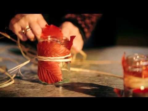 Un barattolo di vetro, qualche foglia e una candelina: la vostra cena avrà un'atmosfera deliziosa