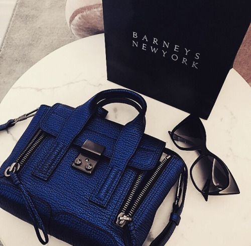 Love this bag color !!!