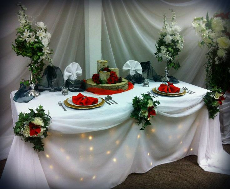 Winter themed head table with lighting.