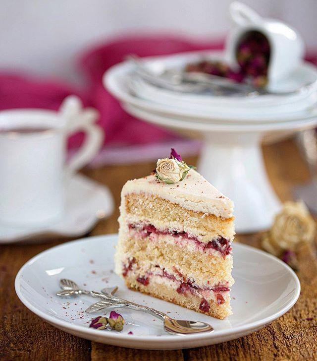Торт с клюквенной карамелью