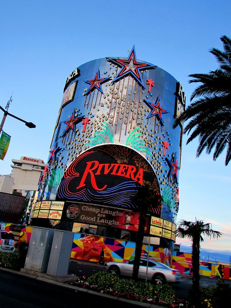 Riveria Casino Hotel sign - Las Vegas - This was the last night before the sign was dismantled