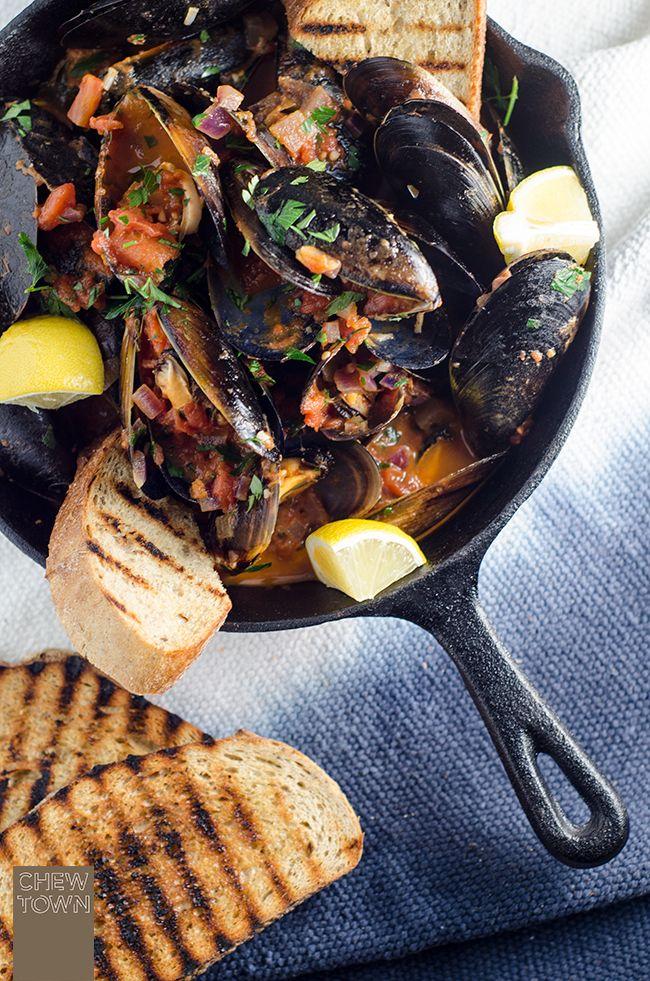Cozze Pomodoro e Peperoncino (Chilli Tomato Mussels) from @Amanda Michetti | Chew Town #recipe #oliveoil #seafood