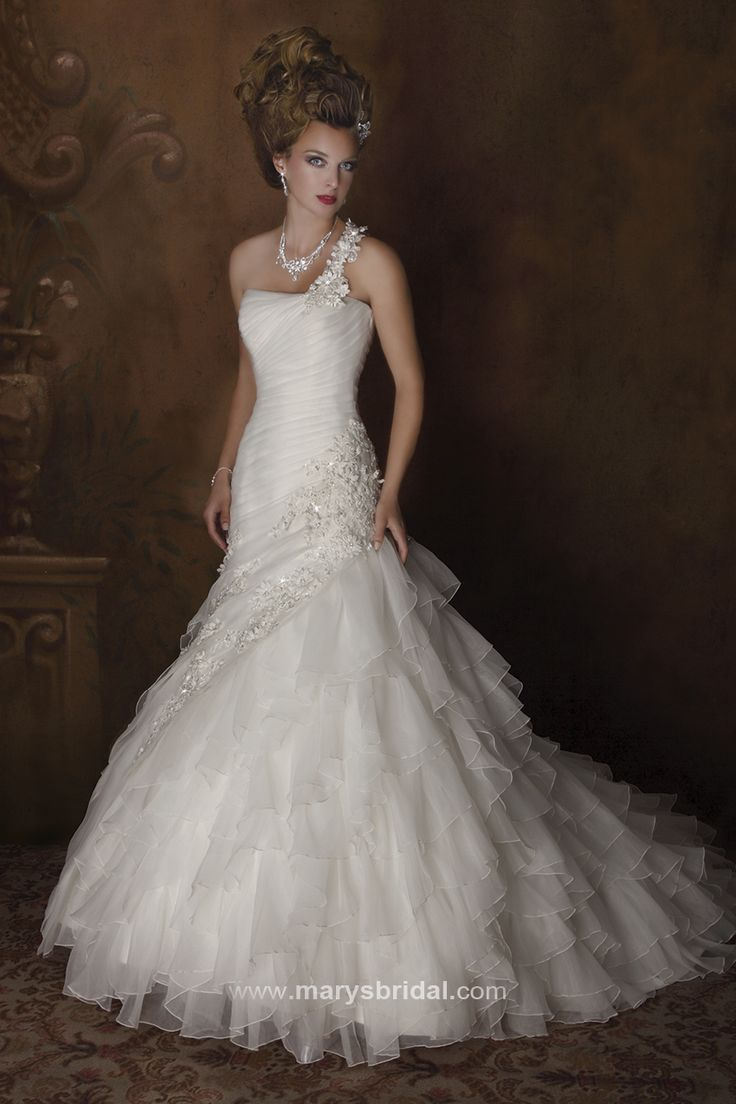 Style C7850 Karelina Sposa sold in Lexington Ky for my 411