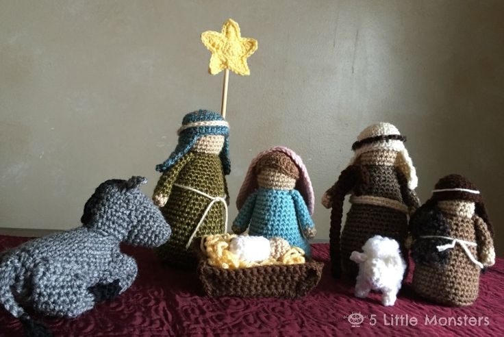 5 Little Monsters: Crocheted Nativity Set...Free pattern!!