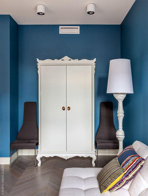 Фрагмент кабинета (он же — гостевая комната) с платяным шкафом, Creazioni.