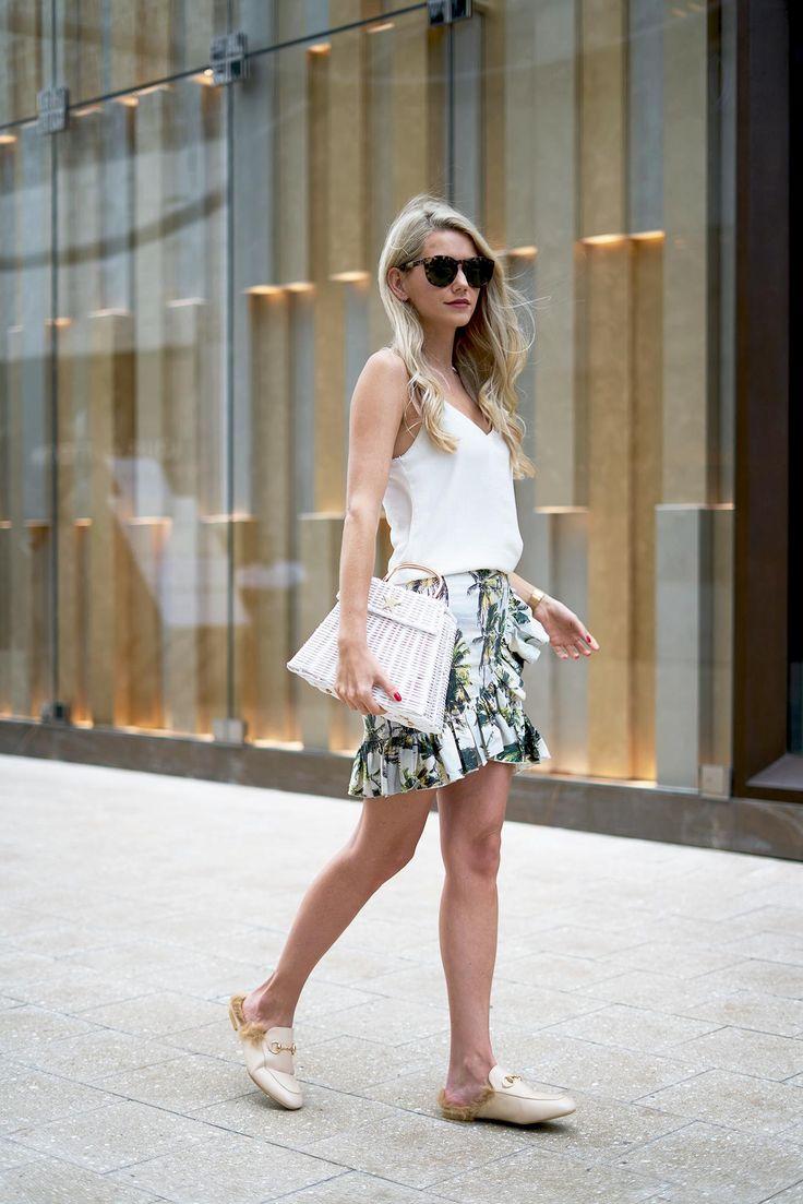 Skirt – H&M / Top – Zara / Shoes – Ego / Bag – Nini Molnar / Sunglasses – Céline