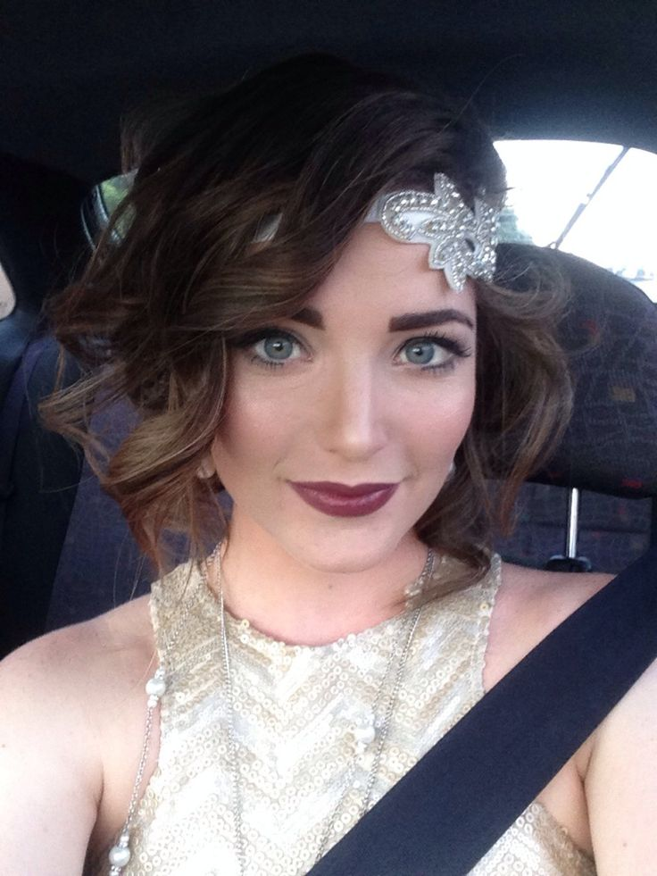 "Lovely short hair half-up curled style for a vintage party theme ""A modern take on 20's hair & makeup for a work Christmas party. CCW! - Imgur"""